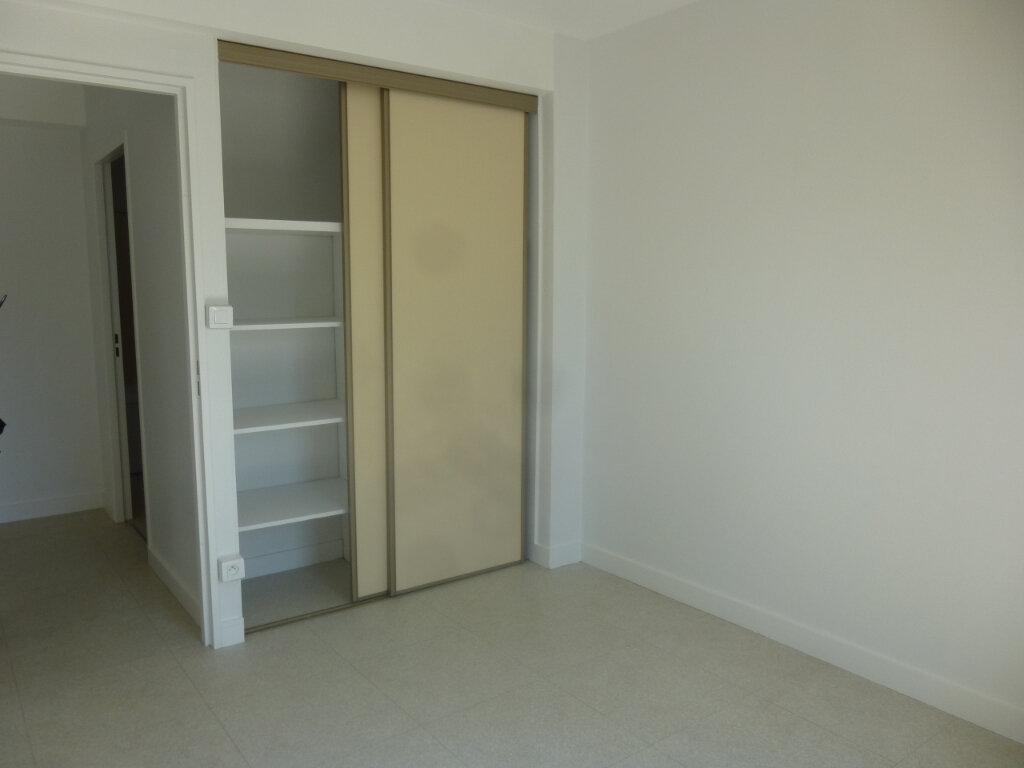 Appartement à louer 5 116m2 à Chalon-sur-Saône vignette-7