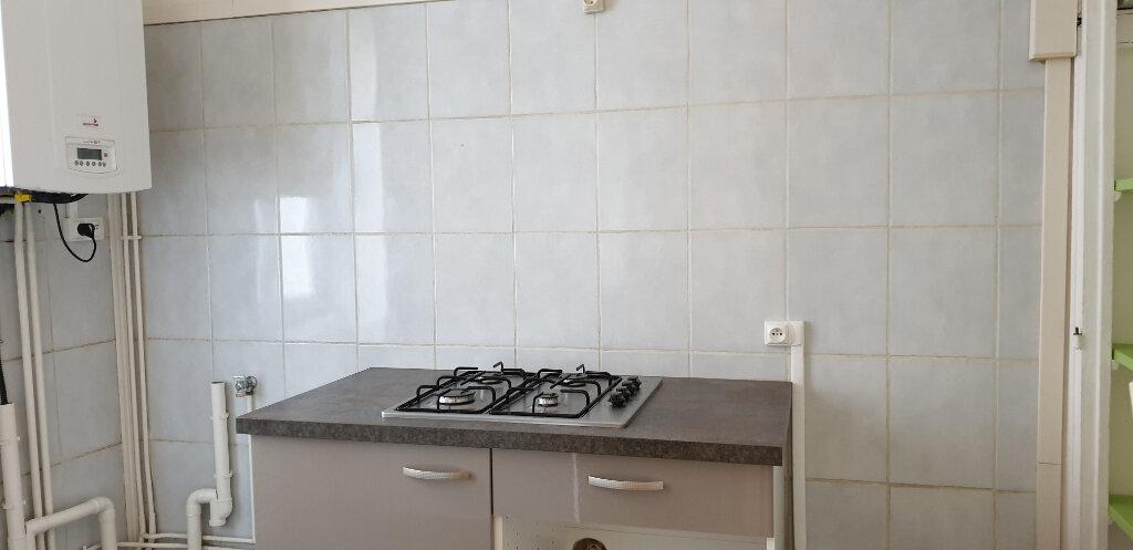 Appartement à louer 3 64.58m2 à Chalon-sur-Saône vignette-4