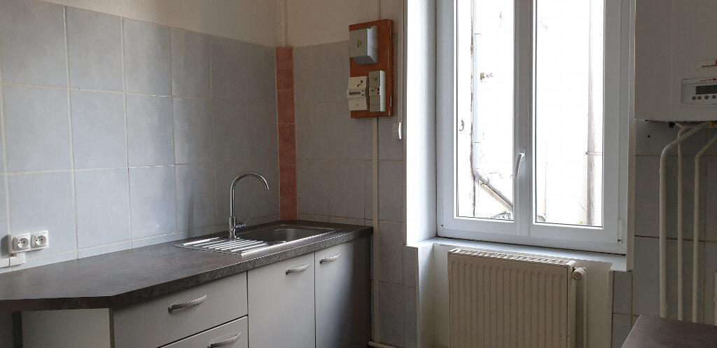 Appartement à louer 3 64.58m2 à Chalon-sur-Saône vignette-5