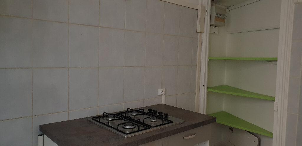 Appartement à louer 3 64.58m2 à Chalon-sur-Saône vignette-6