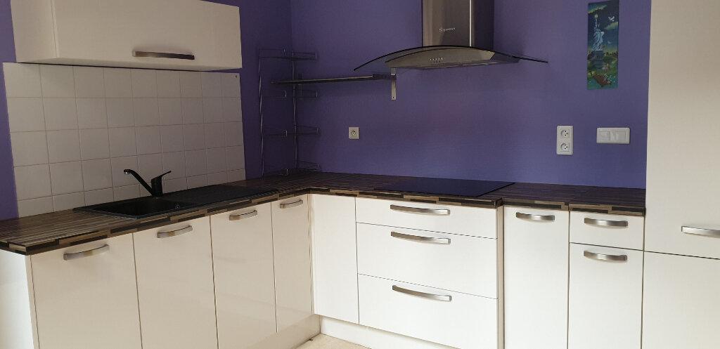 Appartement à louer 2 58.9m2 à Chalon-sur-Saône vignette-1