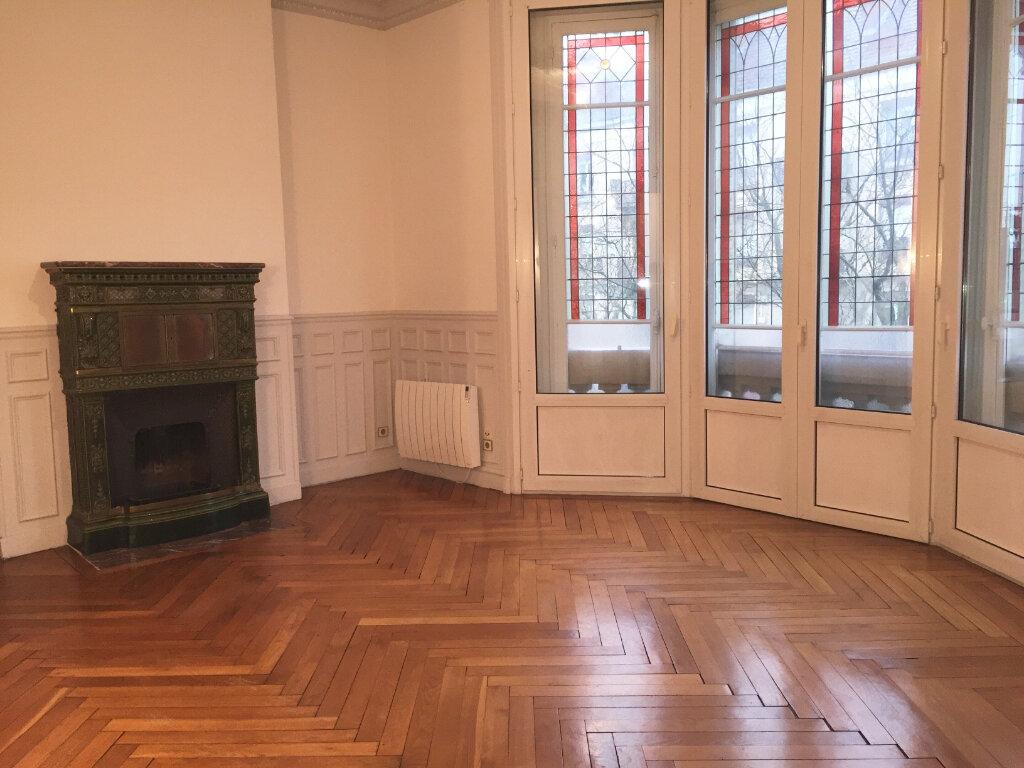 Appartement à louer 4 128m2 à Chalon-sur-Saône vignette-2