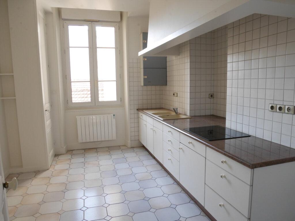 Appartement à louer 4 128m2 à Chalon-sur-Saône vignette-4