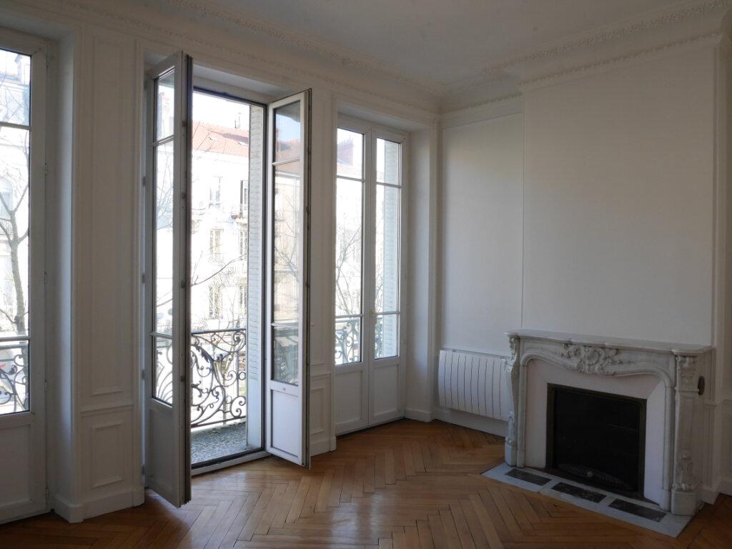 Appartement à louer 4 128m2 à Chalon-sur-Saône vignette-5