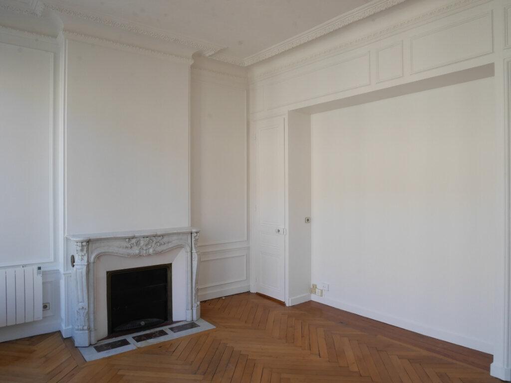Appartement à louer 4 128m2 à Chalon-sur-Saône vignette-6