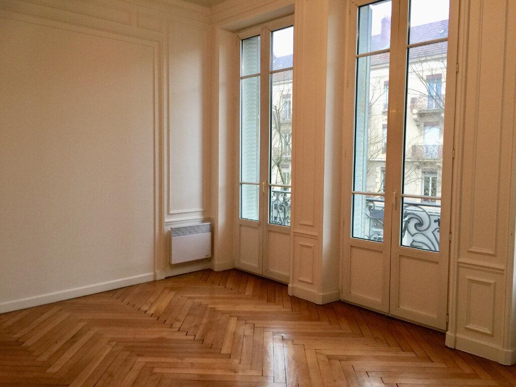 Appartement à louer 4 128m2 à Chalon-sur-Saône vignette-7