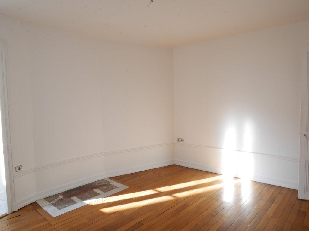 Appartement à louer 4 128m2 à Chalon-sur-Saône vignette-10