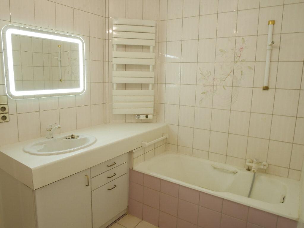 Appartement à louer 4 128m2 à Chalon-sur-Saône vignette-11