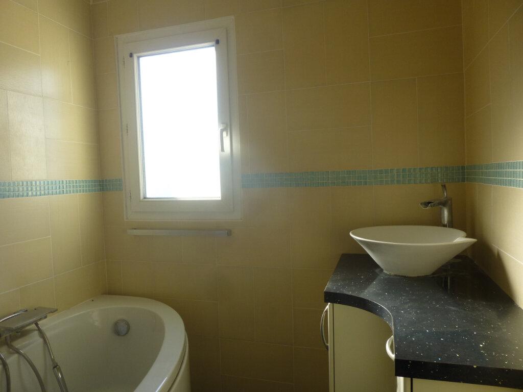 Appartement à louer 3 61.07m2 à Chalon-sur-Saône vignette-4