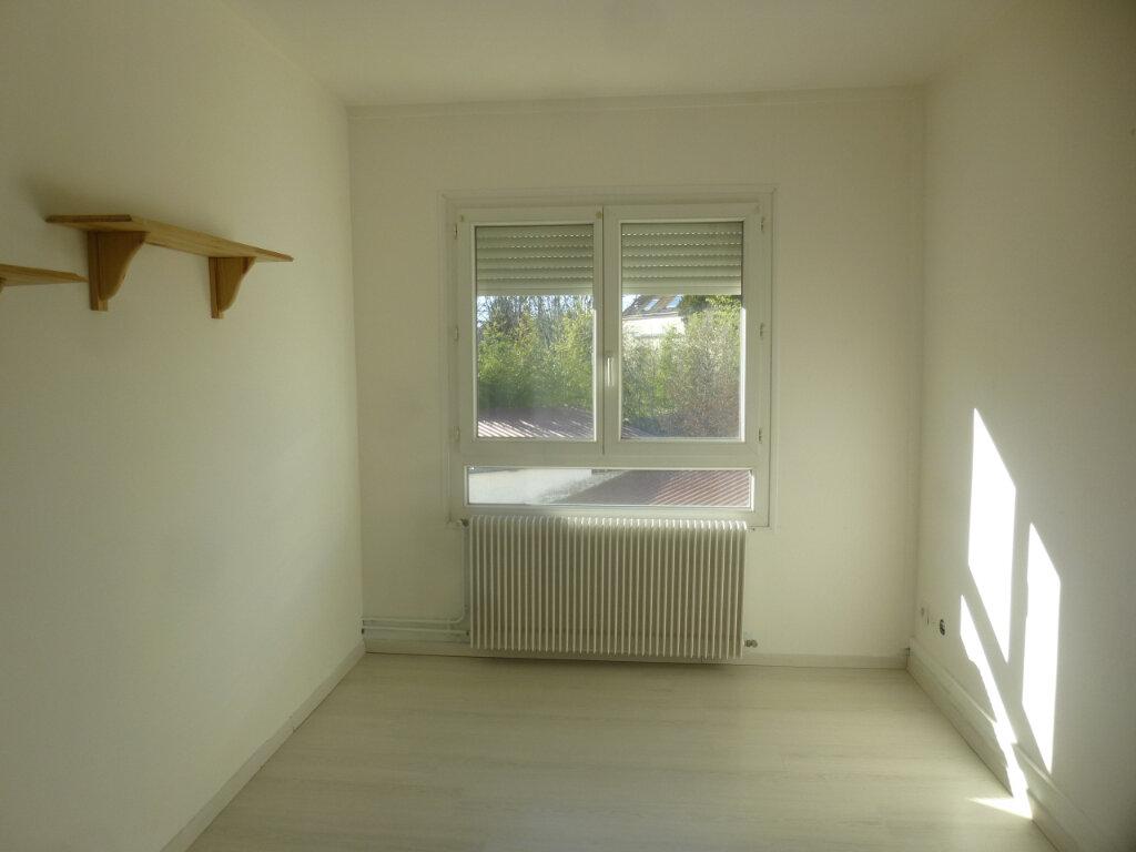 Appartement à louer 3 61.07m2 à Chalon-sur-Saône vignette-5
