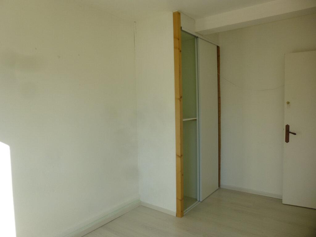 Appartement à louer 3 61.07m2 à Chalon-sur-Saône vignette-6