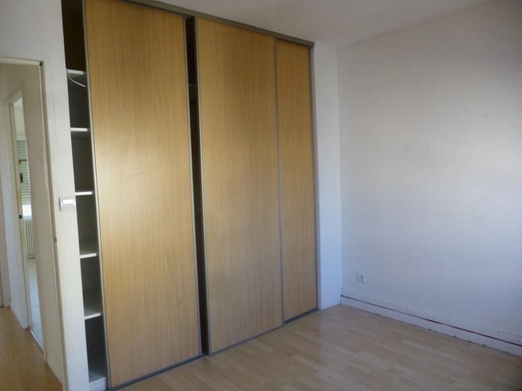 Appartement à louer 3 61.07m2 à Chalon-sur-Saône vignette-7