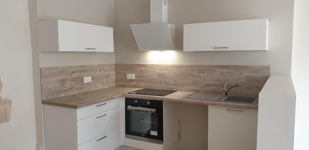 Appartement à louer 2 64m2 à Givry vignette-4