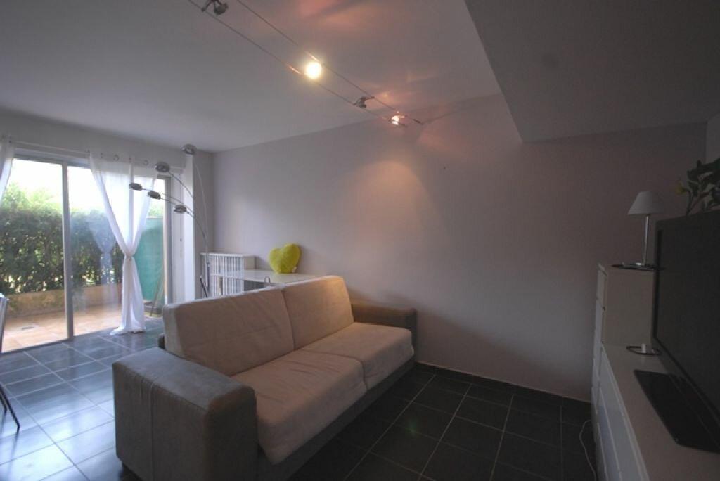 Appartement à louer 1 32.91m2 à Nice vignette-5