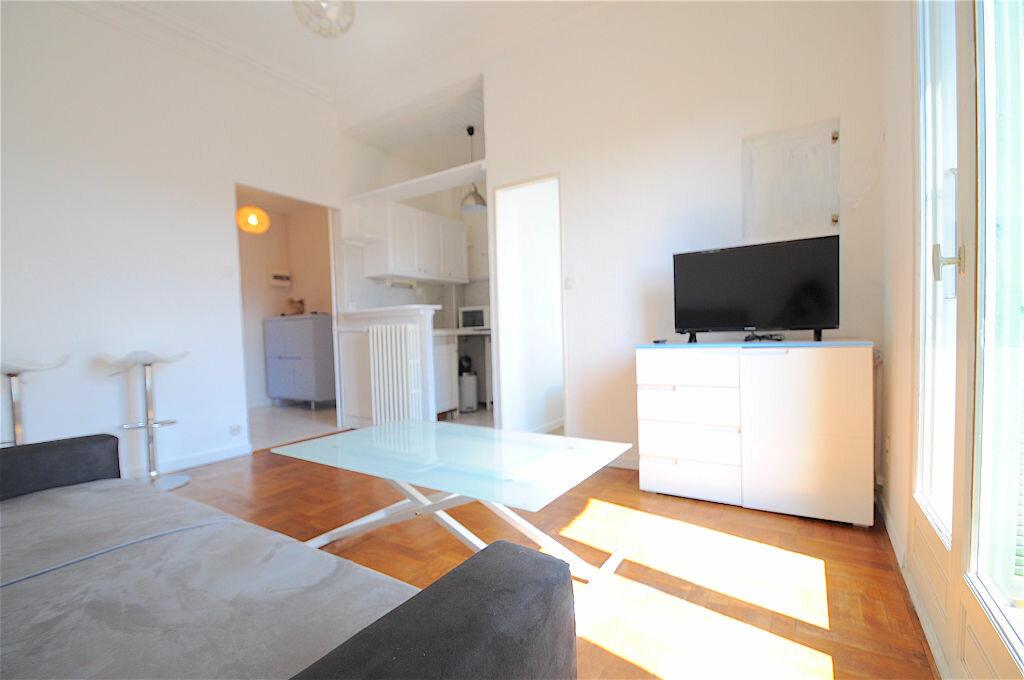 Appartement à louer 2 28.5m2 à Nice vignette-3