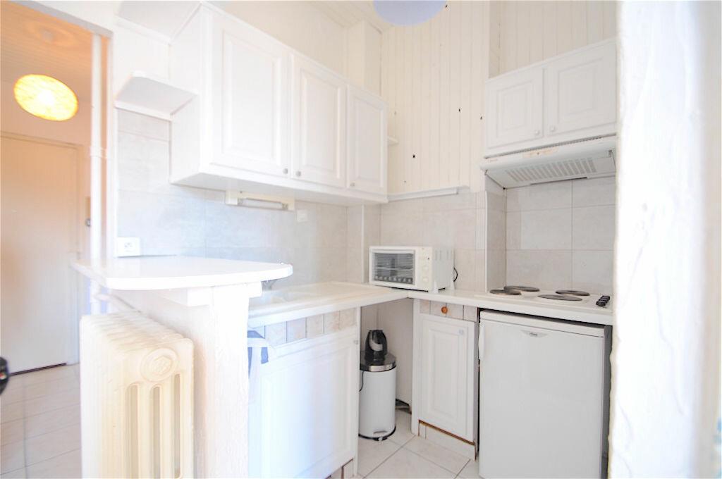 Appartement à louer 2 28.5m2 à Nice vignette-4