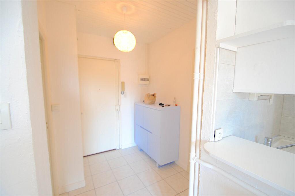 Appartement à louer 2 28.5m2 à Nice vignette-6