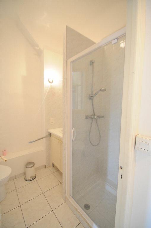 Appartement à louer 2 28.5m2 à Nice vignette-7
