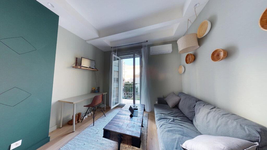 Appartement à louer 1 19m2 à Nice vignette-1