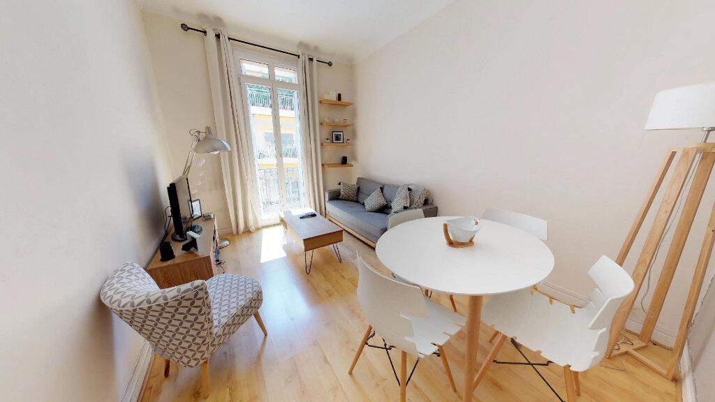 Appartement à louer 2 46.63m2 à Nice vignette-1