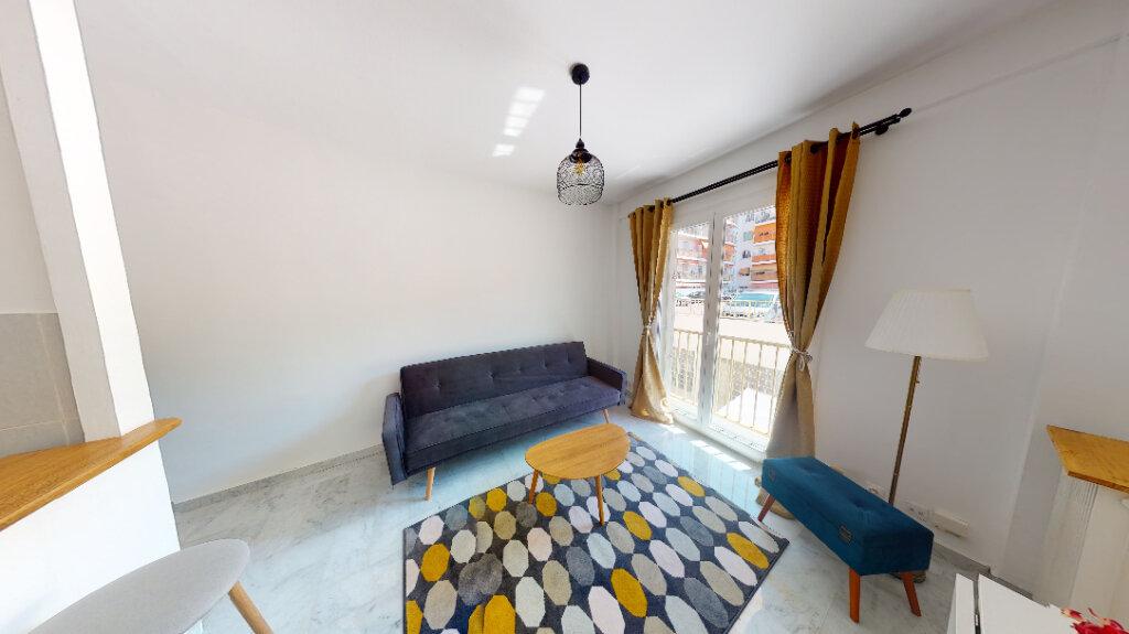 Appartement à louer 2 33.19m2 à Nice vignette-1