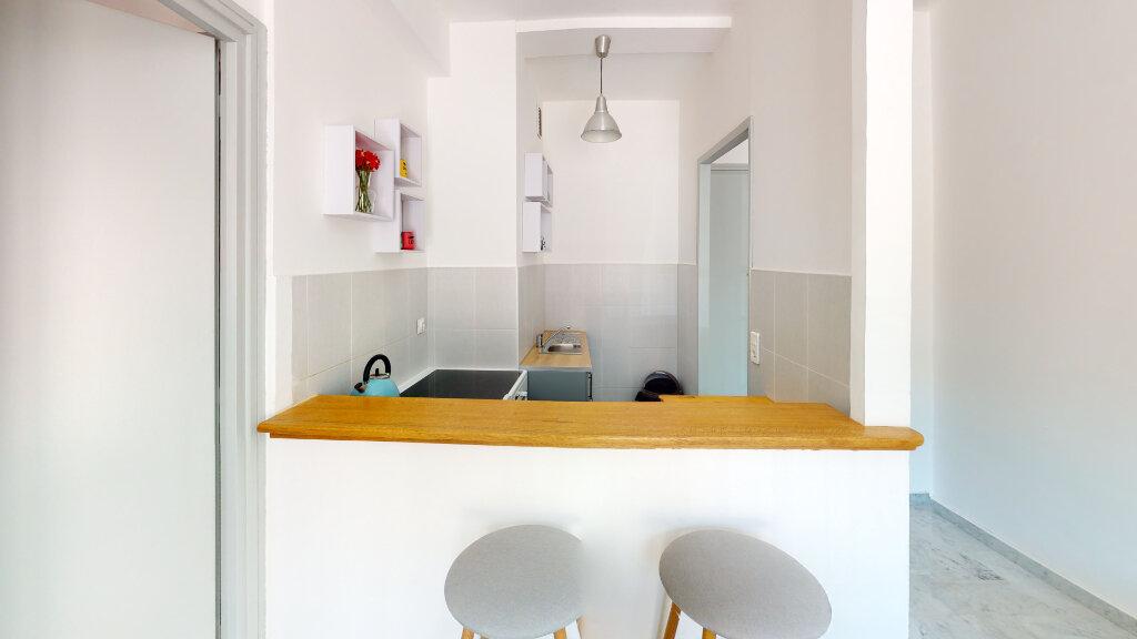 Appartement à louer 2 33.19m2 à Nice vignette-4