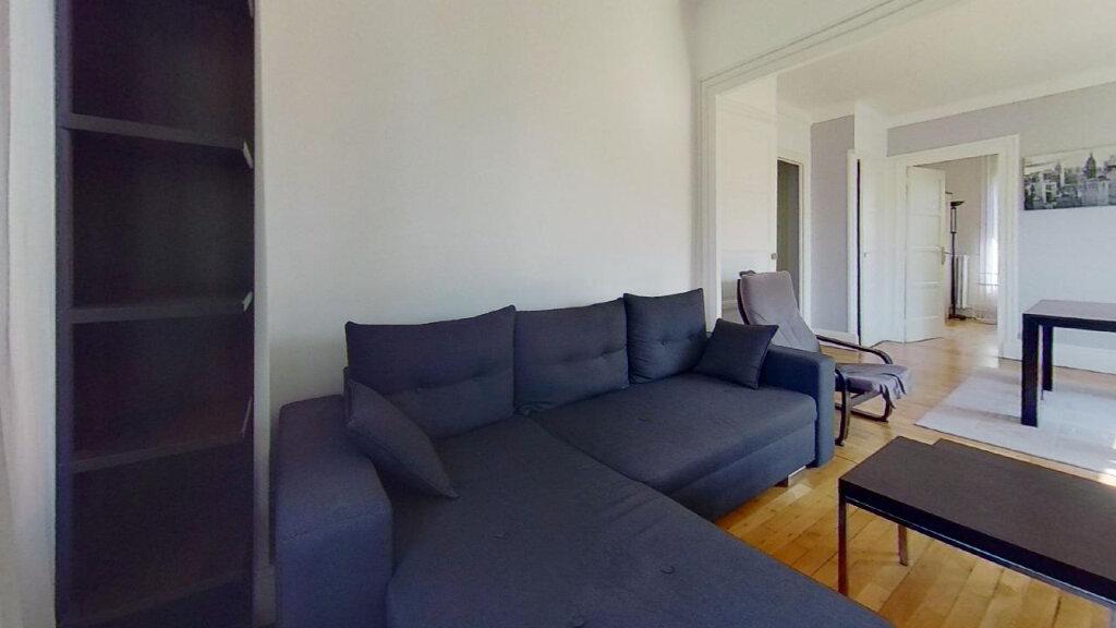 Appartement à louer 3 60m2 à Lyon 8 vignette-2
