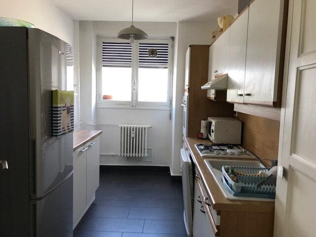 Appartement à louer 3 60m2 à Lyon 8 vignette-6