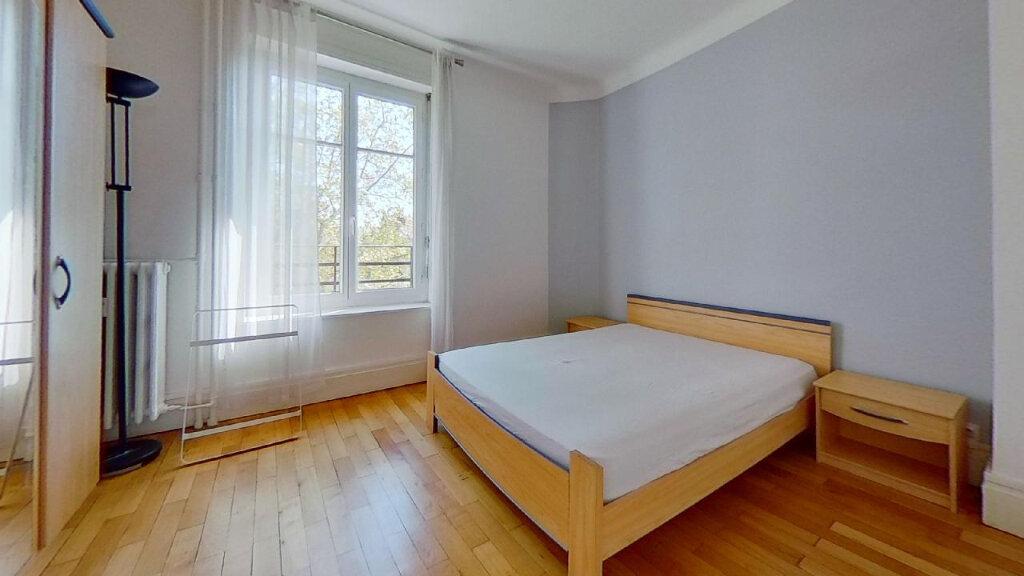 Appartement à louer 3 60m2 à Lyon 8 vignette-7