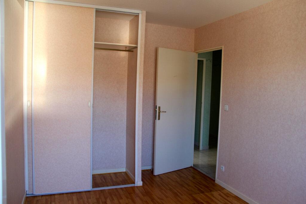 Appartement à vendre 3 68.92m2 à Vénissieux vignette-3
