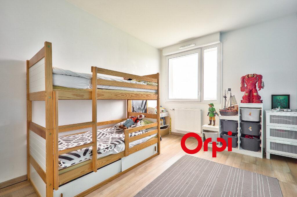 Appartement à vendre 4 75.82m2 à Vénissieux vignette-5