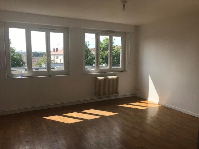 Appartement à louer 3 56.99m2 à Vénissieux vignette-2