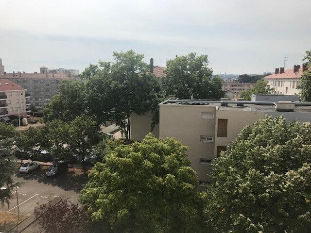 Appartement à louer 3 56.99m2 à Vénissieux vignette-12