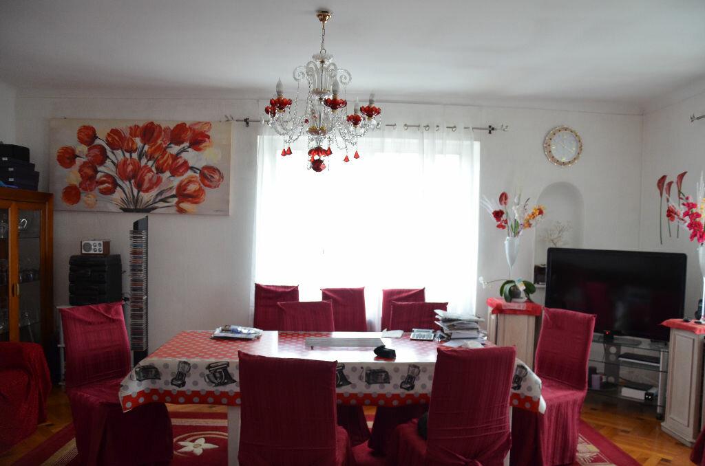 Maison à vendre 5 203m2 à Gémozac vignette-2
