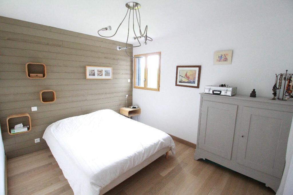 Maison à vendre 3 107m2 à Saint-Romain-sur-Gironde vignette-3