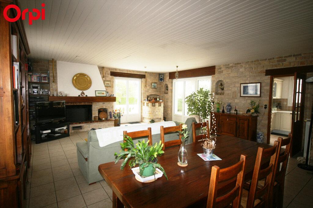 Maison à vendre 7 235m2 à Saint-Georges-de-Didonne vignette-2