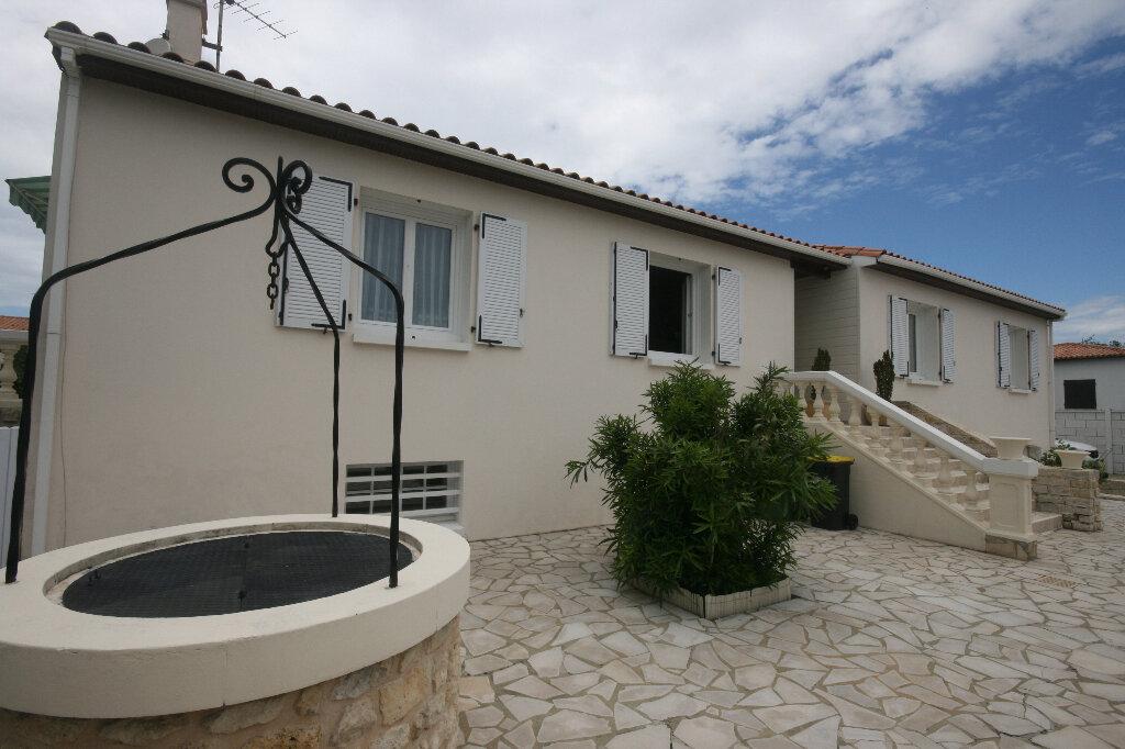 Maison à vendre 7 235m2 à Saint-Georges-de-Didonne vignette-4