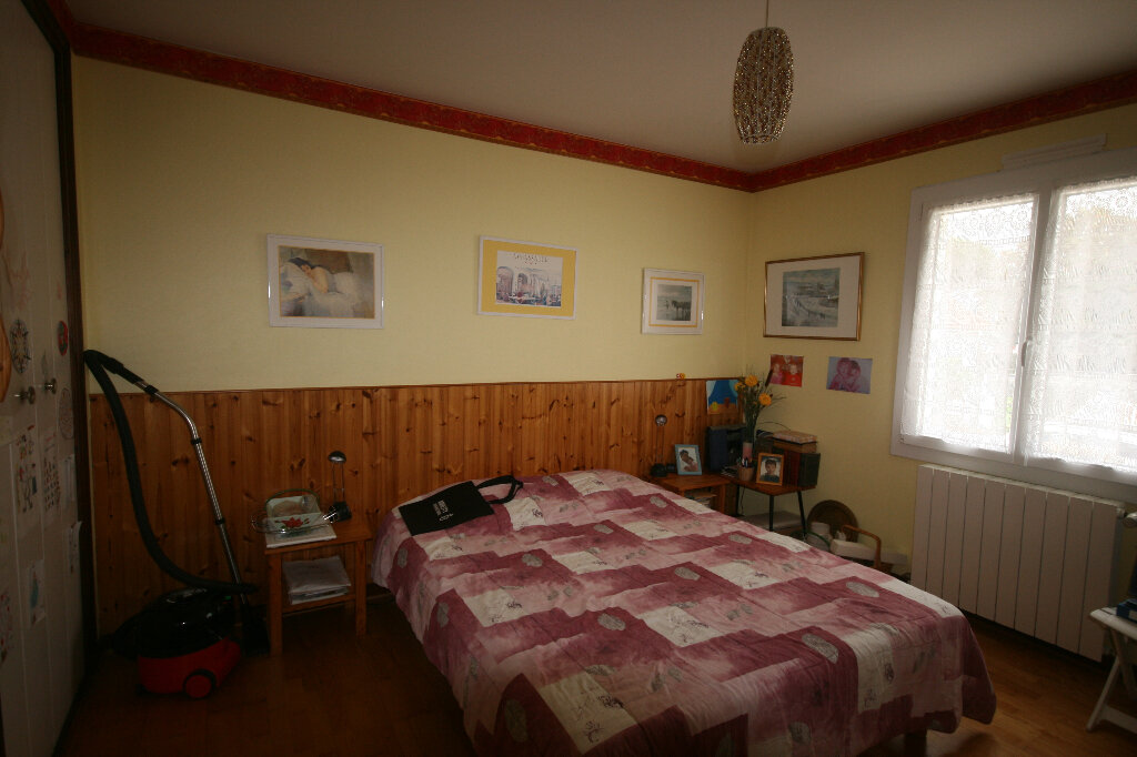 Maison à vendre 7 235m2 à Saint-Georges-de-Didonne vignette-7