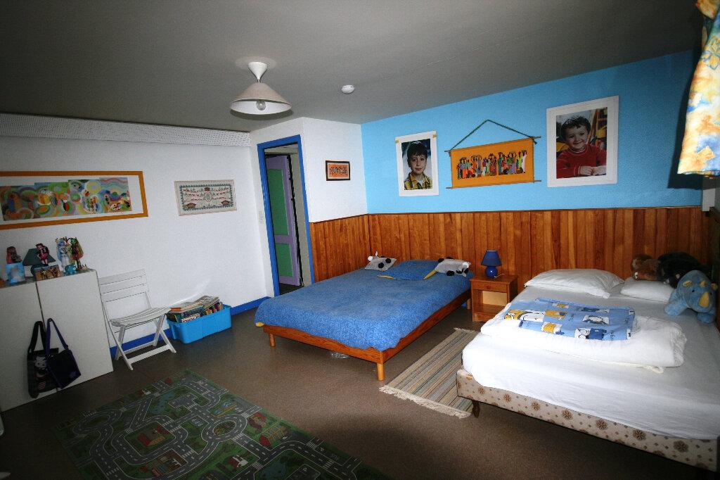 Maison à vendre 7 235m2 à Saint-Georges-de-Didonne vignette-11