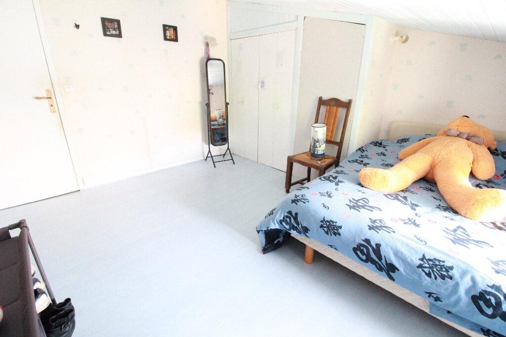Maison à vendre 5 136m2 à Chenac-Saint-Seurin-d'Uzet vignette-6