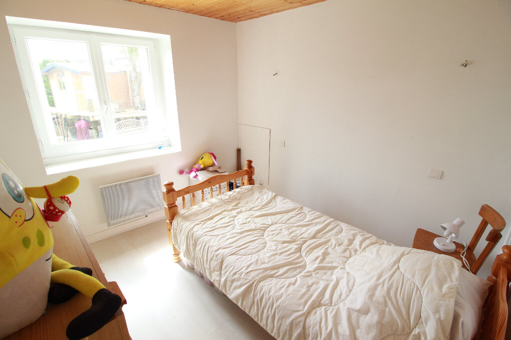 Maison à vendre 5 136m2 à Chenac-Saint-Seurin-d'Uzet vignette-8