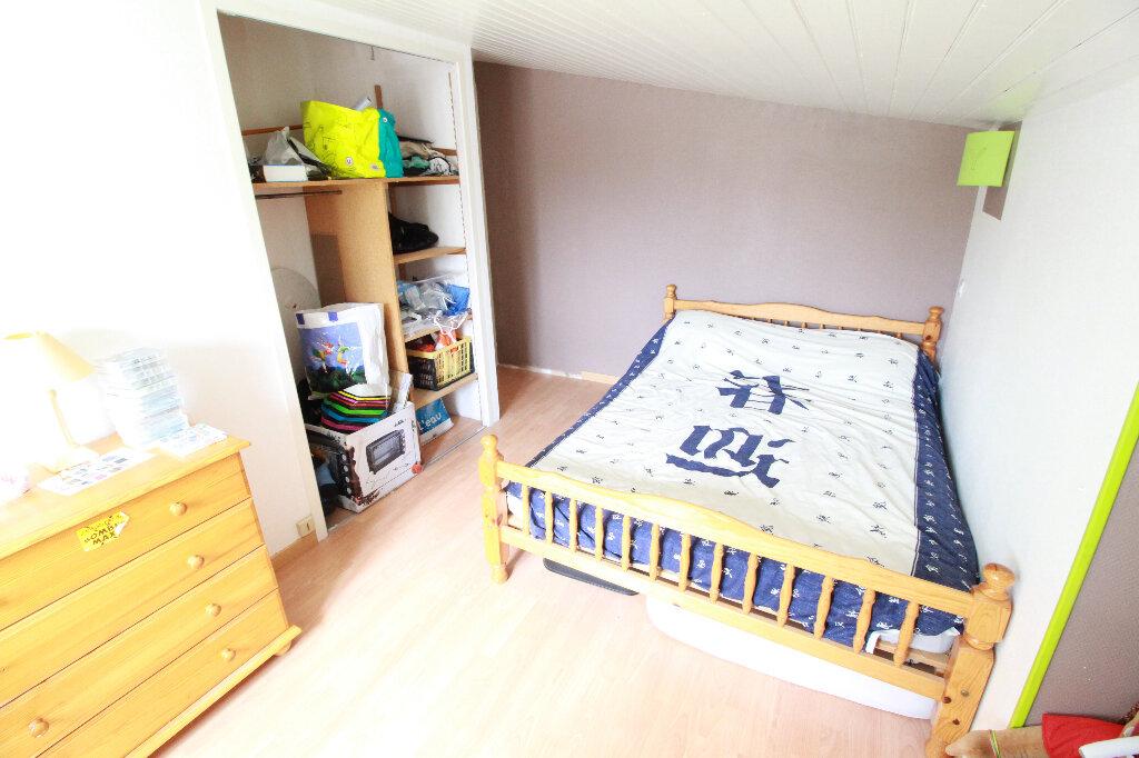 Maison à vendre 5 136m2 à Chenac-Saint-Seurin-d'Uzet vignette-9