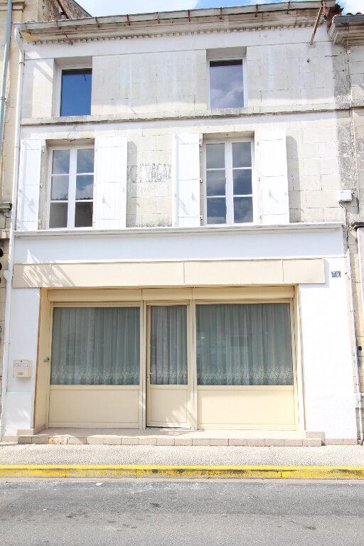 Maison à vendre 5 120.58m2 à Gémozac vignette-1