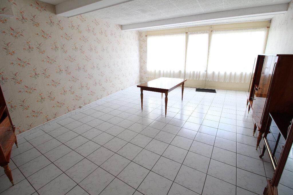 Maison à vendre 5 120.58m2 à Gémozac vignette-3
