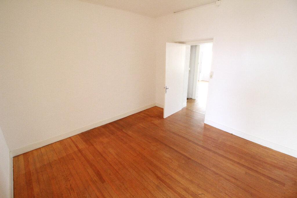 Maison à vendre 5 120.58m2 à Gémozac vignette-5