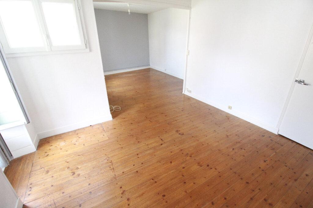 Maison à vendre 5 120.58m2 à Gémozac vignette-7