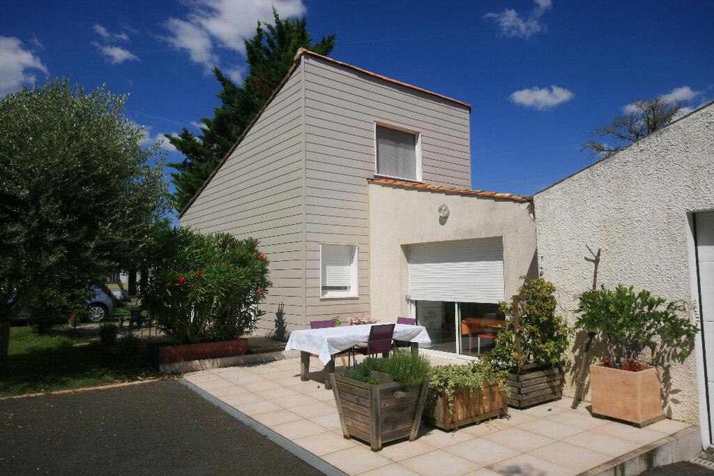 Maison à vendre 7 226m2 à Meschers-sur-Gironde vignette-3