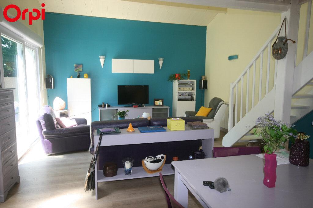 Maison à vendre 7 226m2 à Meschers-sur-Gironde vignette-5