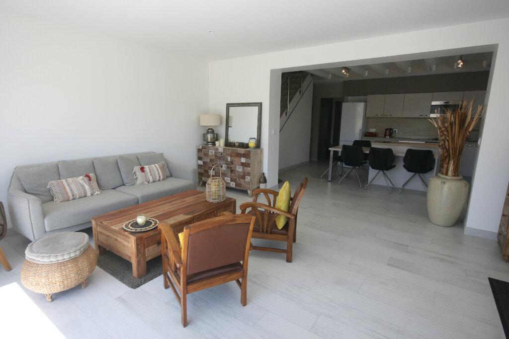 Maison à vendre 5 115m2 à Saint-Georges-de-Didonne vignette-2