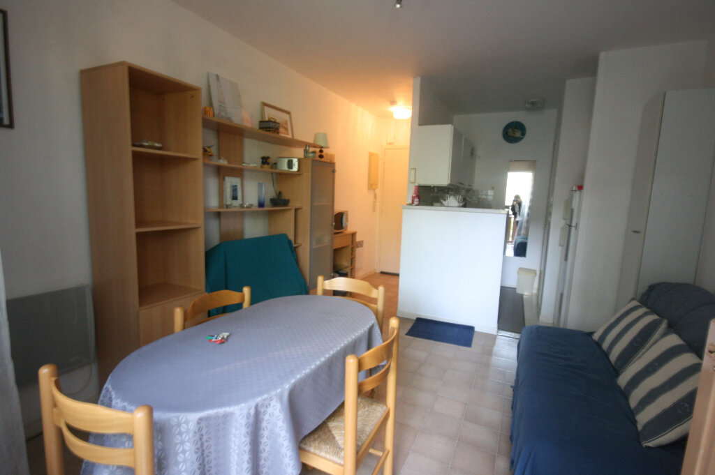 Appartement à vendre 2 34m2 à Saint-Georges-de-Didonne vignette-2